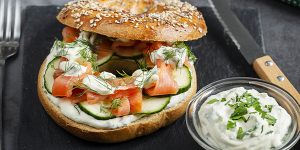 Bagels with smoked salmon and ranch sauce